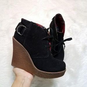 Shoe Dazzle Black Wedges LIKE NEW